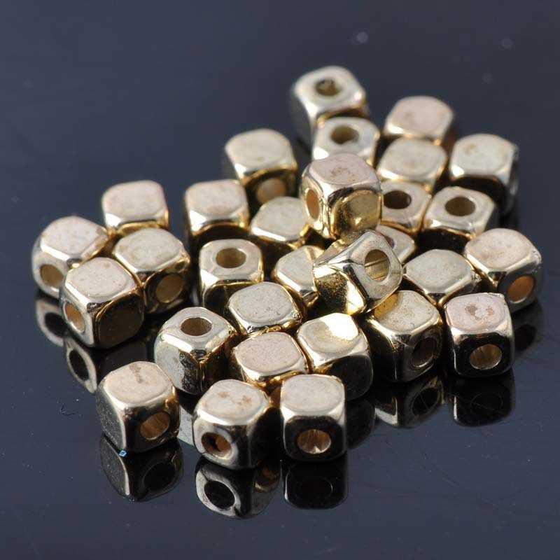 40 Perles Cube Acrylique 4mm Doré