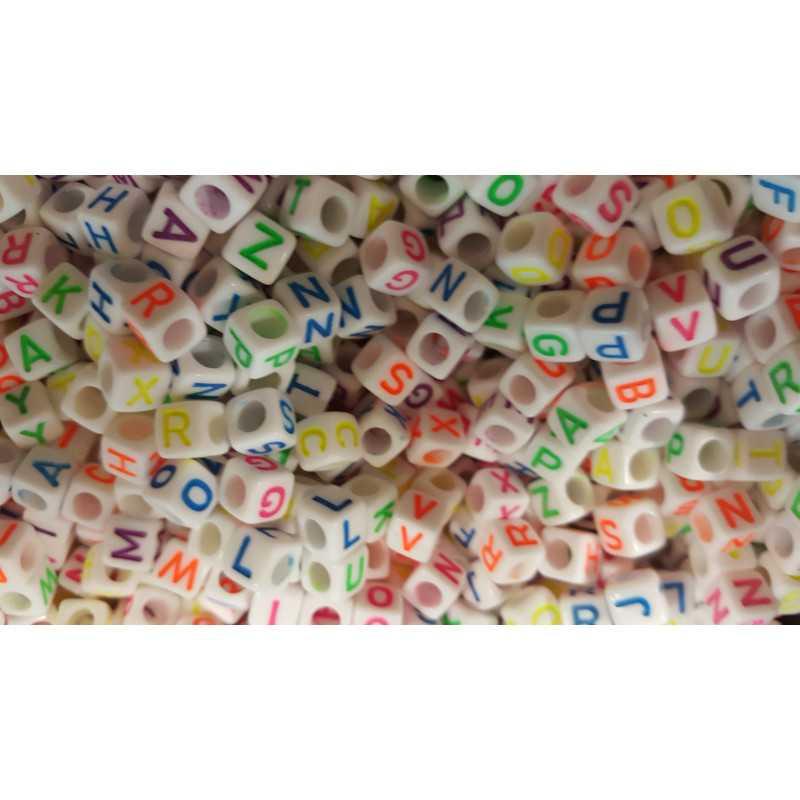 100 Perles Alphabet Blanche Ecriture Mixte Fluo Cube 6mm Lettre Aléatoire